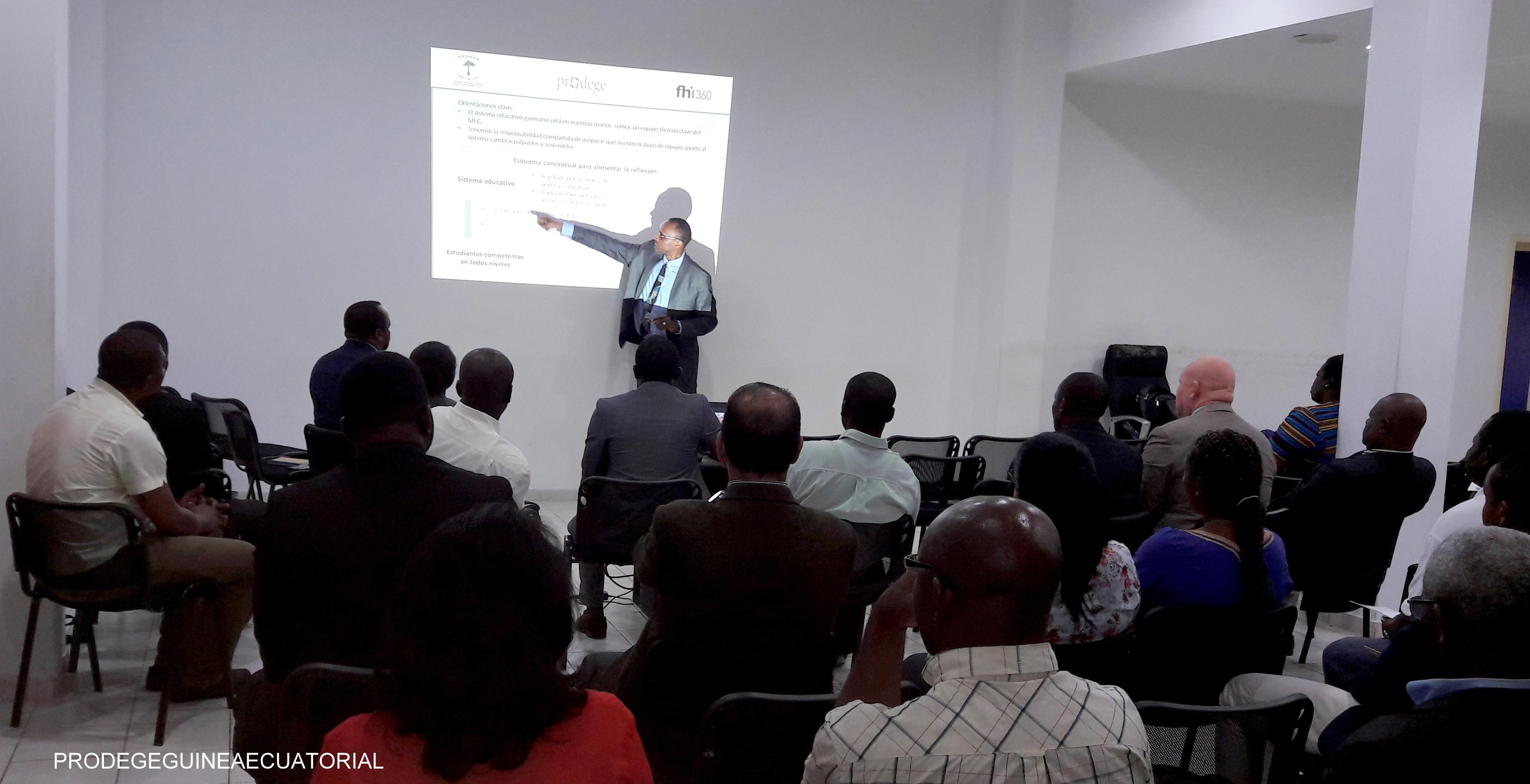 Taller de socialización y validación de la intervención del Programa de Desarrollo Educativo de Guinea Ecuatorial (PRODEGE) en la Enseñanza Secundaria Básica (ESBA) dirigido a los directivos del Ministerio de Educación y Ciencia (MEC).