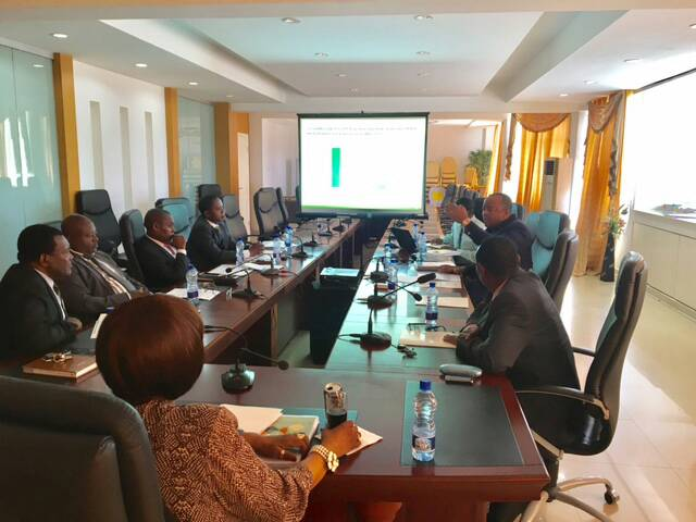 Presentación oficial de los resultados del Curso de Nivelación organizado por el PRODEGE a los docentes de Educación Preescolar y Educación Primaria en todo el ámbito nacional.