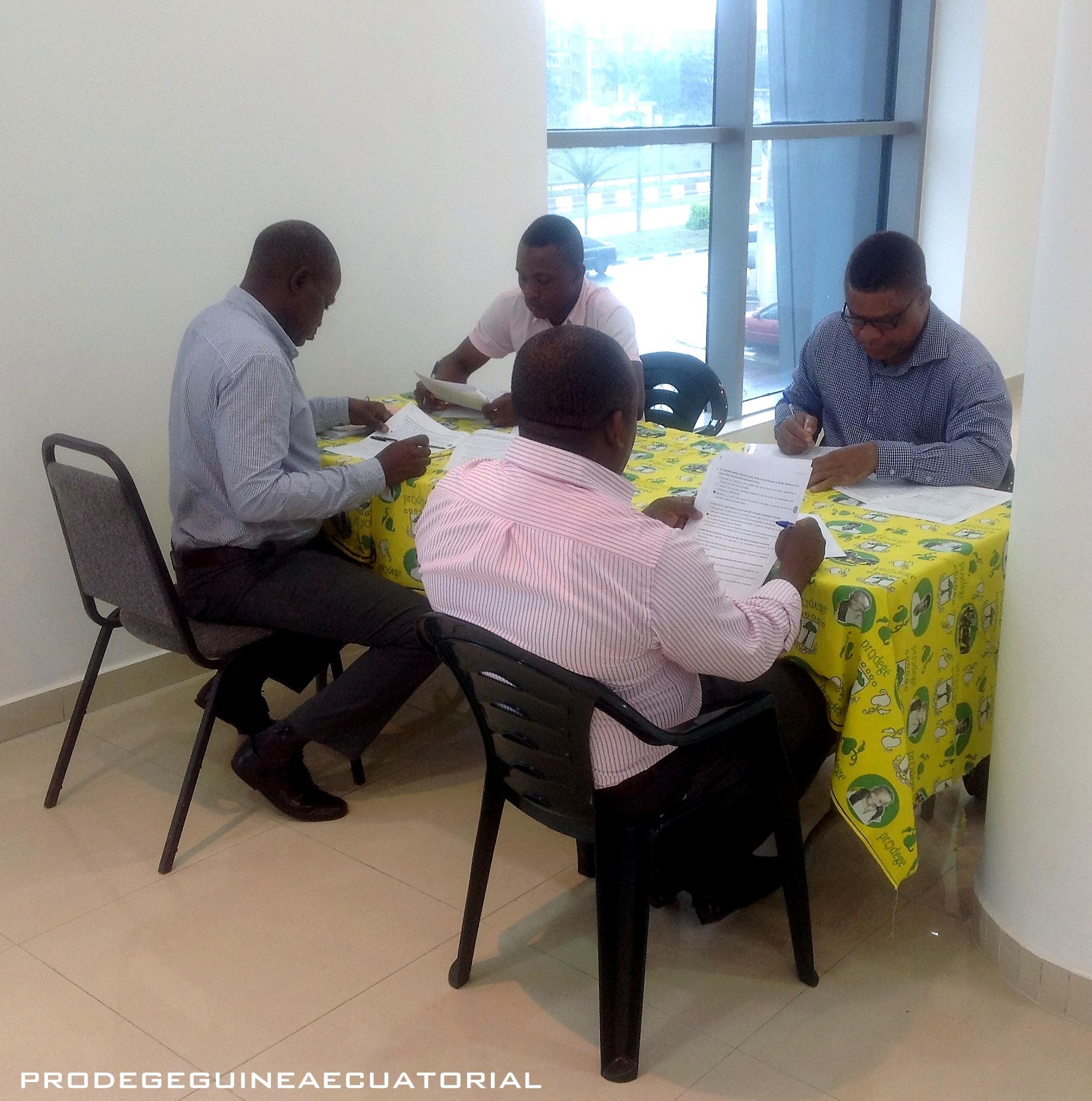 Capacitación dirigida a los tutores y supervisores potenciales para implementar el módulo de Liderazgo Pedagógico y Administración Escolar en la formación hacia la acreditación.