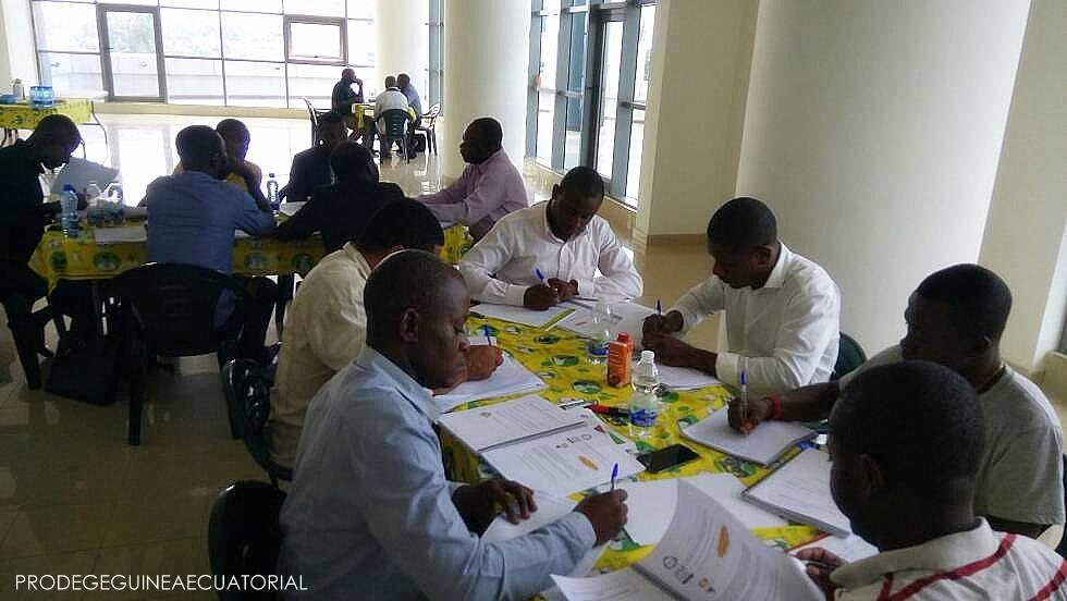 Capacitación dirigida a los tutores y supervisores potenciales para implementar el módulo de Evaluación del Aprendizaje Escolar en el curso de formación hacia la acreditación.